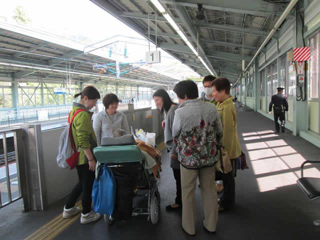 写真:新幹線ホーム