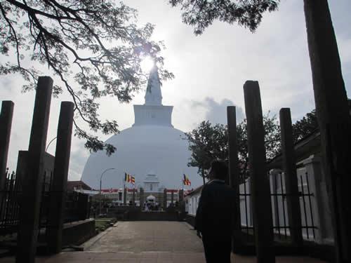 写真:仏舎利塔