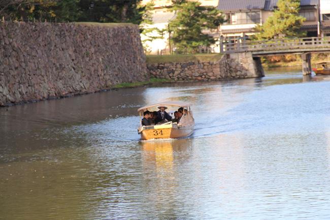 写真:遊覧船を楽しむお客さま