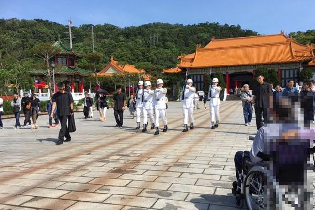 写真:忠烈祠で衛兵の行進