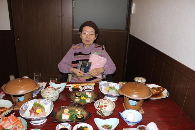 写真:ずらりとならんだお夕飯