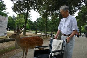 写真:お相撲さんと記念撮影