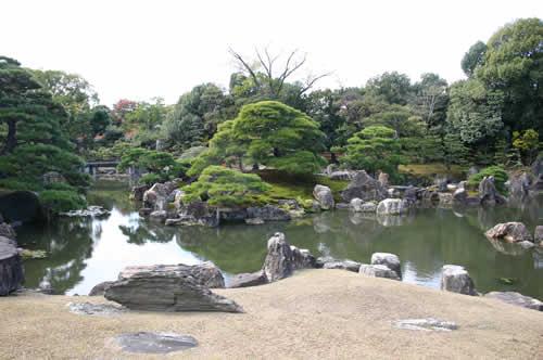 写真:二条城の庭園