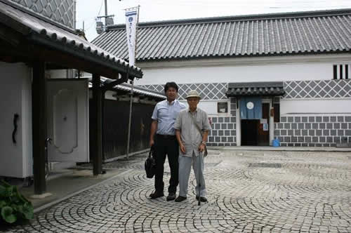 写真:江戸時代の港町の雰囲気の町並み