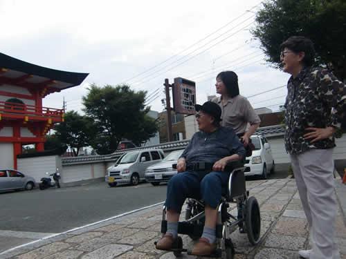 写真:鴨居の観音様を観光