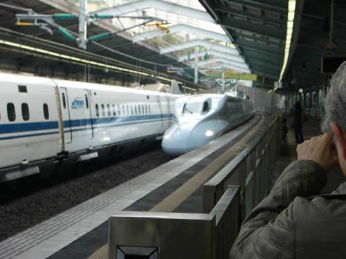 写真:九州新幹線の初乗り
